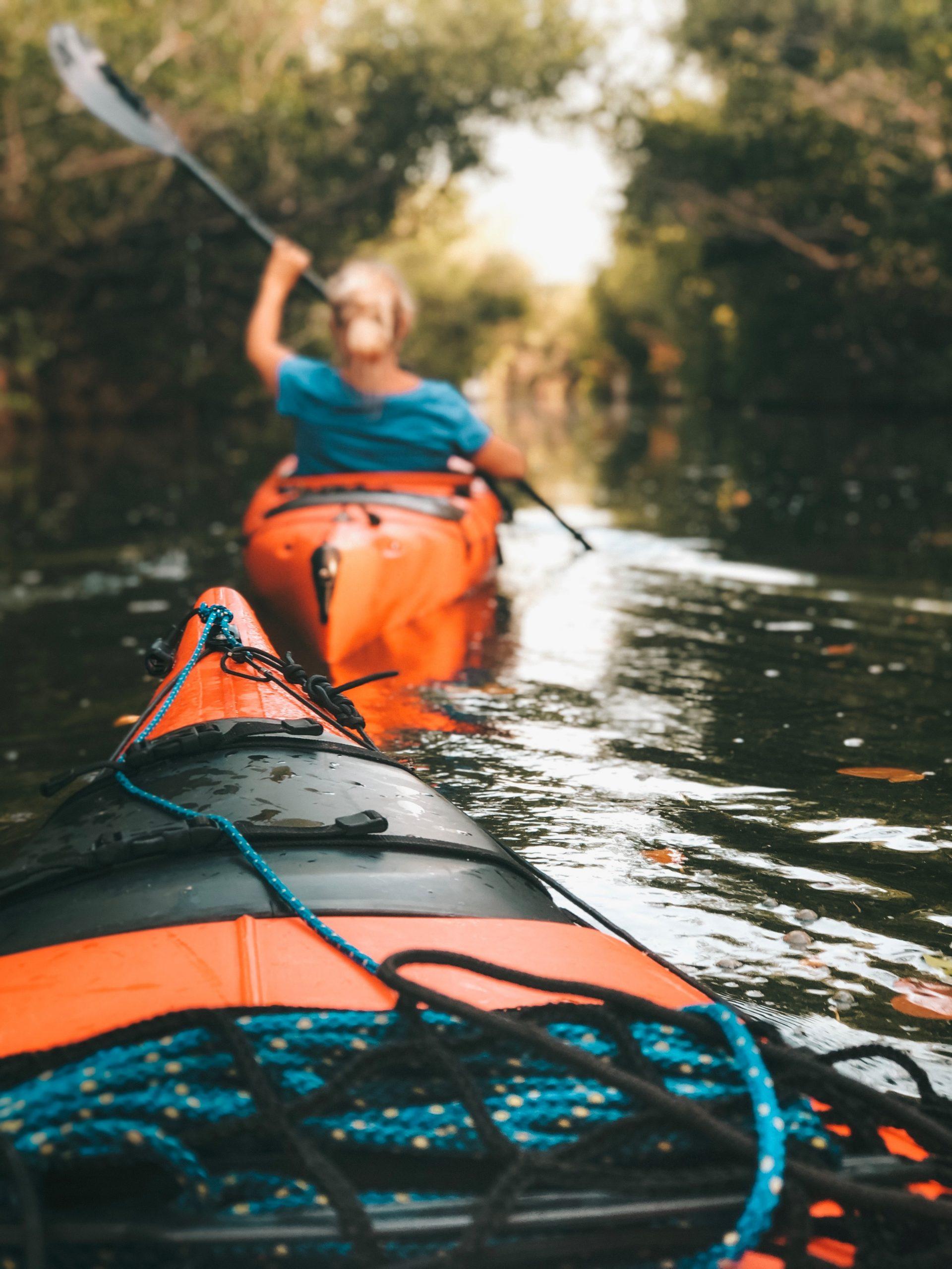 kayak sur un lac